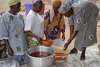 BURKINA FASO, Pó ,Projekt Frauen Kooperative PAPBK zur Herstellung Shea Butter und Seife aus Nuss des Karite Baum - BURKINA FASO, Project women cooperative production shea butter from shea nut