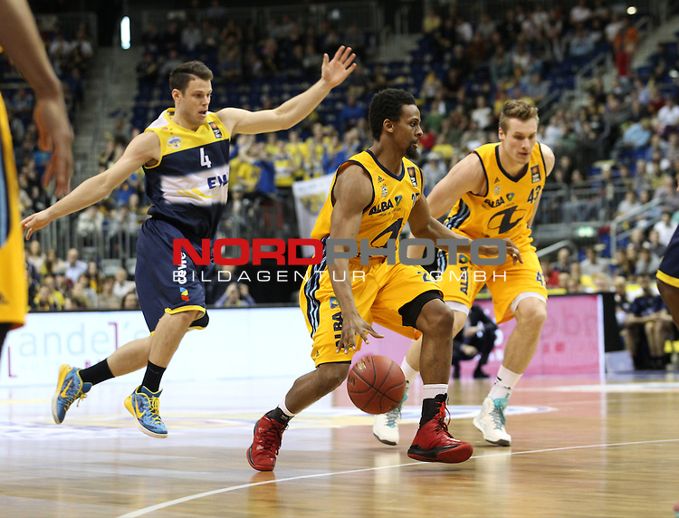 10.05.2015, O2 world, Berlin, GER, 1.BBL, ALBA Berlin vs. Oldenburg , im Bild Clifford Hammonds (ALBA Berlin), Leon Radosevic (ALBA Berlin), Chris Kramer (Baskets Oldenburg)<br /> <br />               <br /> Foto &copy; nordphoto /  Engler