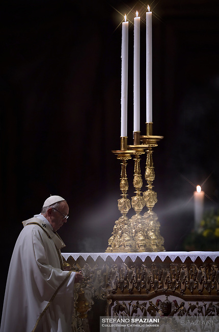 "Pope Francis ""feast of candles"" during Holy Mass for the Solemnity of the presentation of Our Lord at St Peter's basilica at the Vatican. on Febraury 2, 2018"