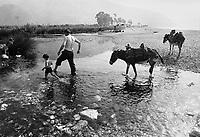 - Villaggio albanese, Queparo (Cepar&ograve;, agosto 1993); il pastore al guado<br /> <br /> -  Albanian  Village, Queparo (Cepar&ograve;, August 1993); the shepherd at the ford