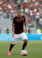 Calcio, Serie A: Roma vs Juventus. Roma, stadio Olimpico, 30 agosto 2015.<br /> Roma&rsquo;s Radja Nainggolan in action during the Italian Serie A football match between Roma and Juventus at Rome's Olympic stadium, 30 August 2015.<br /> UPDATE IMAGES PRESS/Isabella Bonotto