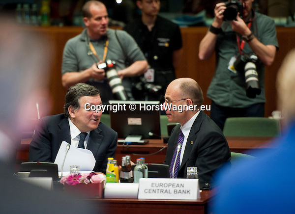 Brussels-Belgium - June 28, 2013 -- European Council, EU-summit, meeting of Heads of State / Government; here, José (Jose) Manuel BARROSO (le), President of the European Commission, with Enrico LETTA (ri), Prime Minister of Italy-- Photo: © HorstWagner.eu