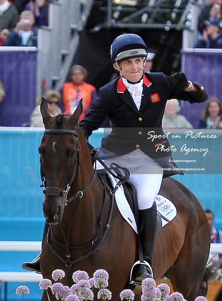 Kristina Cook (GBR) riding Miners Frolic. Equestrian Eventing - PHOTO: Mandatory by-line: Garry Bowden/SIP/Pinnacle - Photo Agency UK Tel: +44(0)1363 881025 - Mobile:0797 1270 681 - VAT Reg No: 768 6958 48 - 31/07/2012 - 2012 Olympics - Greenwich, London, England.
