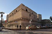 Castello Normanno Svevo - 20.11.2017: Bari mit der Costa Deliziosa