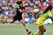 3rd February 2019, Spotless Stadium, Sydney, Australia; HSBC Sydney Rugby Sevens; New Zealand versus Australia; Womens Final; Ruby Tu of New Zealand passes the ball
