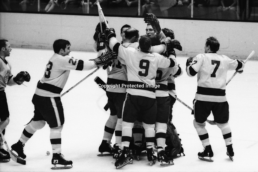 Los Angeles Kings celebrate score against the Seals,<br />