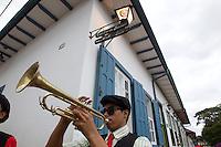 Mariana_MG, Brasil.<br /> <br /> Bonecos do Bloconeco do Catin desfilam pelas ruas historicas de Mariana, Minas Gerais.<br /> <br /> Bloconeco do Catin band in Mariana carnival, Minas Gerais.<br /> <br /> Foto: MARCUS DESIMONI / NITRO