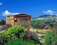 Italy, Sicily, Agrigent: Valle dei Templi, Concordia-Temple