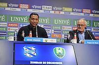 VOETBAL: HEERENVEEN: 20-121-2015, SC Heerenveen - ADO Den Haag, uitslag 0-4, Foppe de Haan en Henk Fraser na afloop van de wedstrijd, ©foto Martin de Jong