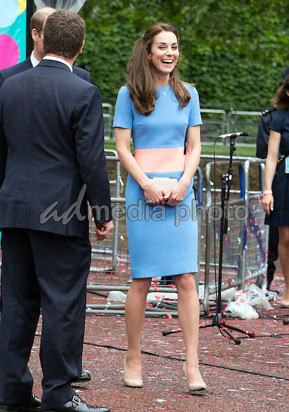 12 June 2016 - London, England - Prince William and Kate Duchess of Cambridge with Peter Phillips. The Patrons Lunch 2016 during celebrations for the Queens 90th Birthday held at The Mall London. Photo Credit: ALPR/AdMedia