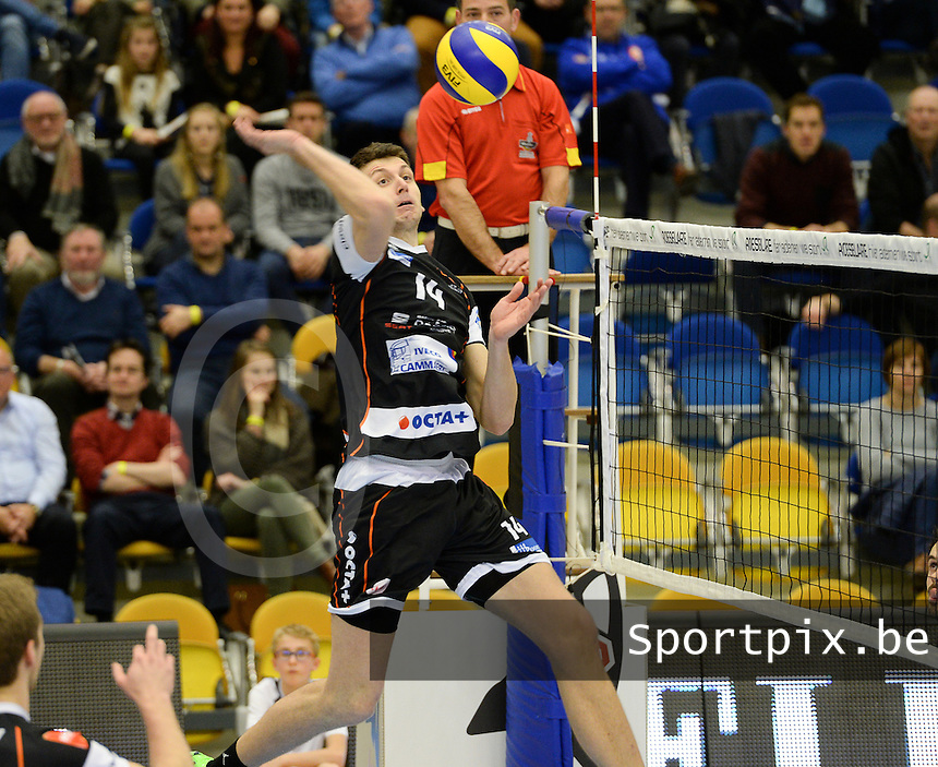 20161228 - ROESELARE ,  BELGIUM : Aalst's Ivan Mihalj (14) pictured during the second semi final in the Belgian Volley Cup between Knack Volley Roeselare and Lindemans Aalst in Roeselare , Belgium , Wednesday 28 th December 2016 . PHOTO SPORTPIX.BE | DAVID CATRY
