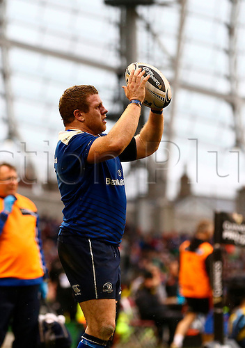 02.04.2016. Aviva Stadium, Dublin, Ireland. Guinness Pro12.  Leinster versus Munster. Sean Cronin (Leinster) prepares to throw in to the lineout.