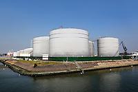 Haven van Rotterdam. Torontohaven. Tankopslag Vopak
