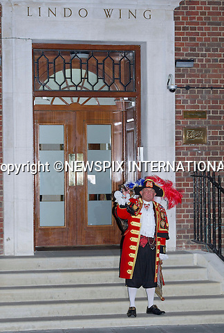 22.07.2013; LONDON : ROYAL BABY <br /> Tony Appleton, The Town Crier announces the birth of the Royal Baby at 8lbs 4oz, born at 4.24 pm to The Duke and Duchess of Cambridge, Lindo Wing, St. Mary's Hospital, Paddington,London<br /> Mandatory Credit Photo: &copy;Francis Dias/NEWSPIX INTERNATIONAL<br /> <br /> **ALL FEES PAYABLE TO: &quot;NEWSPIX INTERNATIONAL&quot;**<br /> <br /> IMMEDIATE CONFIRMATION OF USAGE REQUIRED:<br /> Newspix International, 31 Chinnery Hill, Bishop's Stortford, ENGLAND CM23 3PS<br /> Tel:+441279 324672  ; Fax: +441279656877<br /> Mobile:  07775681153<br /> e-mail: info@newspixinternational.co.uk