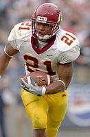 27 September 2003:  Marion Barber III, Minnesota RB, runs for some of his 138 yards against Penn State.  Minnesota defeated Penn State 20-14  at Beaver Stadium in State College, PA.<br /> Mandatory Credit: Randy Litzinger
