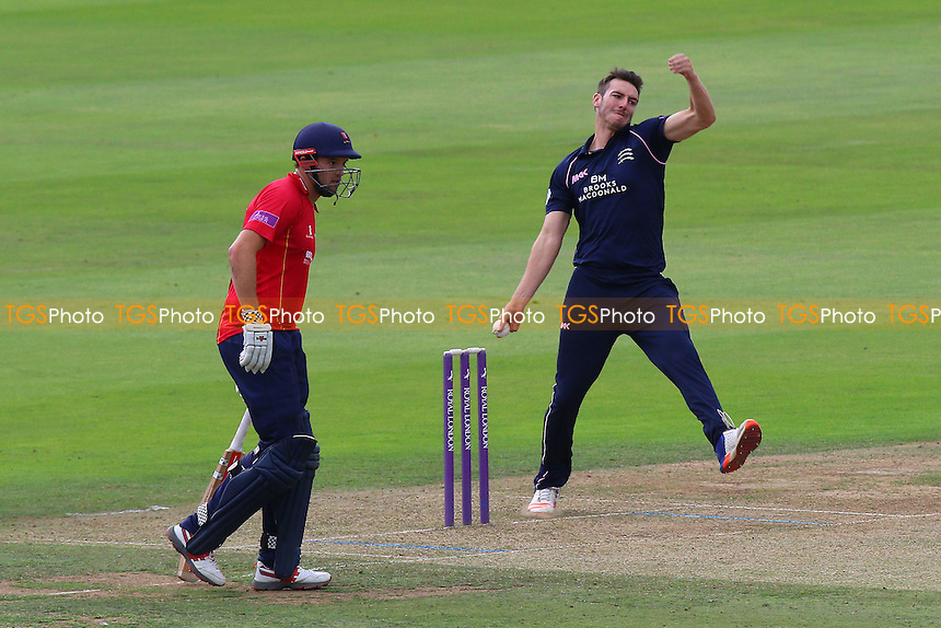 Toby Roland-Jones in bowling action for Middlesex during Middlesex vs Essex Eagles, Royal London One-Day Cup Cricket at Lord's Cricket Ground on 31st July 2016