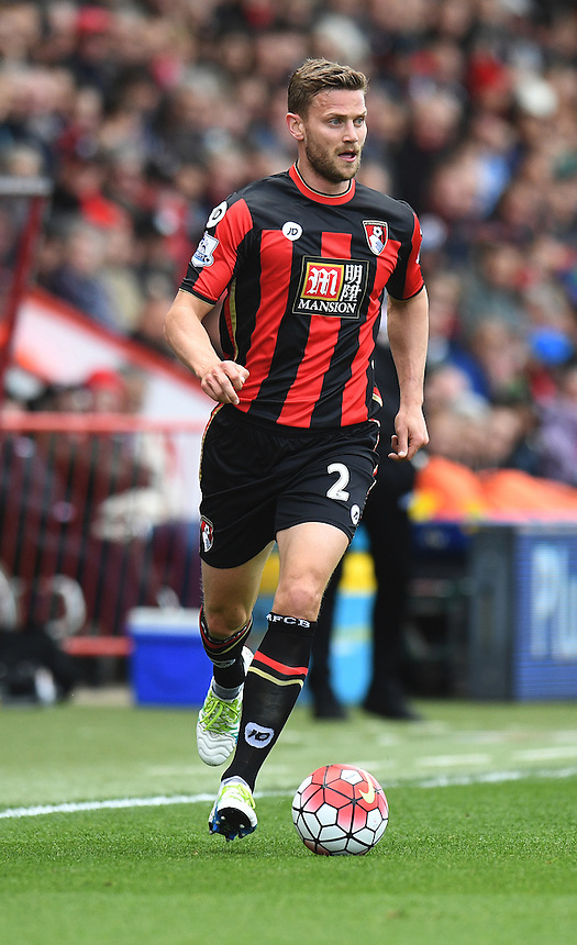 Bournemouth's Simon Francis in action during todays match  <br /> <br /> Bournemouth 1 - 4 Chelsea 4<br /> <br /> Photographer David Horton/CameraSport<br /> <br /> Football - Barclays Premiership - Bournemouth v Chelsea - Saturday 23rd April 2016 - Vitality Stadium - Bournemouth<br /> <br /> &copy; CameraSport - 43 Linden Ave. Countesthorpe. Leicester. England. LE8 5PG - Tel: +44 (0) 116 277 4147 - admin@camerasport.com - www.camerasport.com