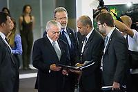 RIO DE JANEIRO, RJ, 04.04.2017 - TEMER-LAAD - Presidente da República Michel Temer visita a LAAD 2017, no Riocentro, Rio de Janeiro, nesta terça-feira, 04. (Foto: Clever Felix/Brazil Photo Press)