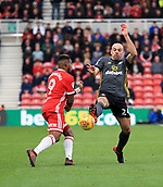 5th November 2017, Riverside Stadium, Middlesbrough, England; EFL Championship football, Middlesbrough versus Sunderland; Darron Gibson of Sunderland beats Britt Assombalonga of Middlesbrough to the ball in the second half