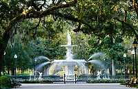Fountain in Forsyth Park in Savannah, ga
