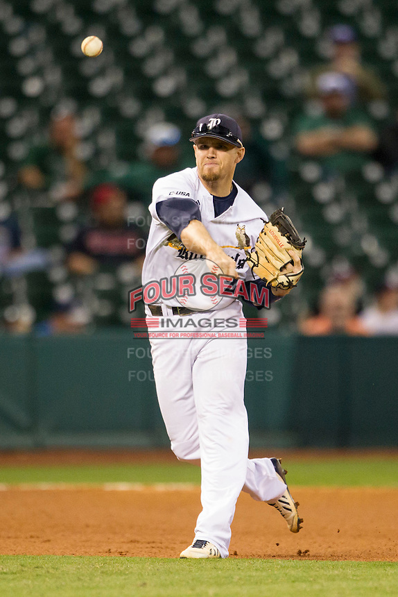 Rice Owls third baseman Shane Hoelscher #2 makes a throw to first base during the NCAA baseball game against the TCU Horned Frogs on March 1, 2014 during the Houston College Classic at Minute Maid Park in Houston, Texas. Rice defeated TCU 1-0. (Andrew Woolley/Four Seam Images)