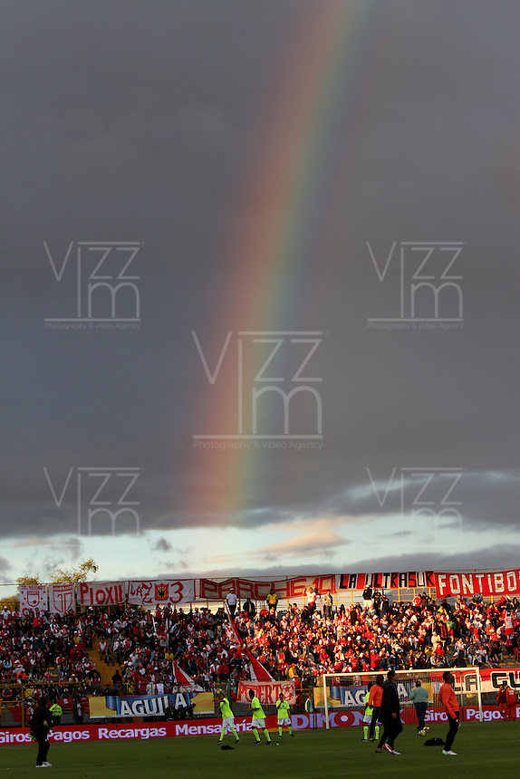 BOGOTA -COLOMBIA, 1-FEBRERO-2015. Salio el arco iris en el intermedio  del partido entre La Equidad  con Independiente Santa Fe juego por la fecha 1 de la Liga Águila I 2015 jugado en el estadio Metropolitano de Techo de la ciudad de Bogotá./  Rainbow came during the interim between the match  Equidad and Independiente Santa Fe during party by date 1 2015Liga Aguila  played at the Metropilitano de Techo stadium in  Bogota . Photo / VizzorImage / Felipe Caicedo  / Staff