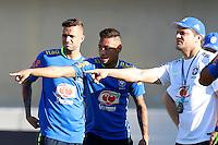 GOIANIA, GO, 28.07.2016 - BRASIL-JAP&Atilde;O - Neymar Jr (ao centro) durante treino da sele&ccedil;&atilde;o ol&iacute;mpica brasileira de futebol no Est&aacute;dio Serra Dourada, em Goi&acirc;nia (GO), na tarde desta quinta-feira, 28. A equipe enfrentar&aacute; o Jap&atilde;o em partida amistosa no s&aacute;bado (30), em prepara&ccedil;&atilde;o para os Jogos Ol&iacute;mpicos do Rio.<br />   (Foto: Marcos Souza/Brazil Photo Press)