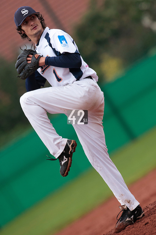 16 October 2010: Eloi Secleppe of Savigny pitches against Rouen during Rouen 16-4 win over Savigny, during game 1 of the French championship finals, in Savigny sur Orge, France.