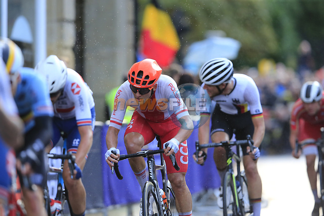 Szymon Sajnok of Poland in the chase group into Harrogate for the first time during the Men U23 Road Race of the UCI World Championships 2019 running 186.9km from Doncaster to Harrogate, England. 27th September 2019.<br /> Picture: Eoin Clarke   Cyclefile<br /> <br /> All photos usage must carry mandatory copyright credit (© Cyclefile   Eoin Clarke)
