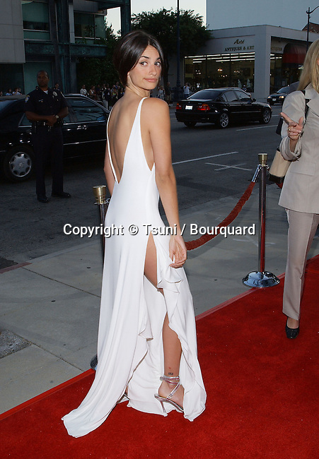 Penelope Cruz arriving at the premiere of Captain Corelli's Mandolin at the Academy of Motion Picture in Los Angeles. August 13, 2001   139_CruzPenelope02.JPG