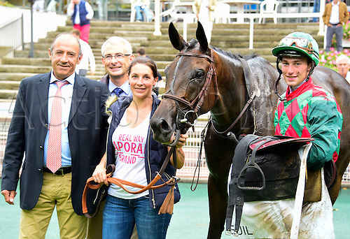 15.09.2016. Auteuil Racecourse, Paris, France.  Race 5-Compiegne Hurdle Grade 3.  Alex De Larredya - Gaetan Masure wins the race for Francois Nicolle