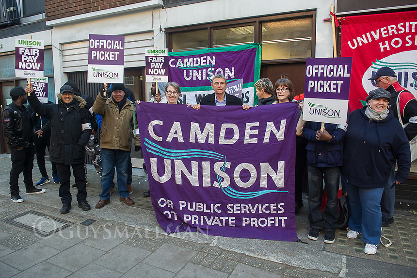 Camden traffic wardens go on strike over pay. The disputs was organised by the UNISON trade union. Camden, North London. 1-10-18
