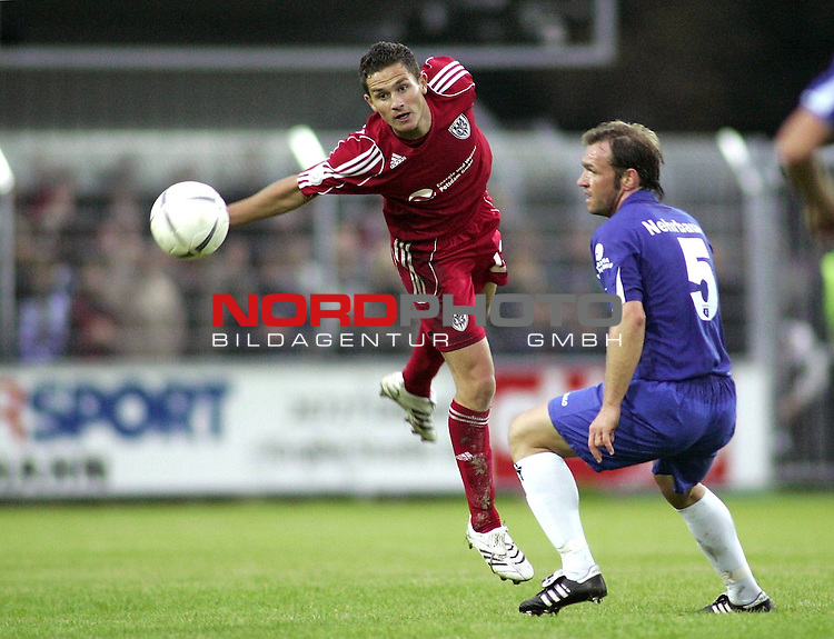RLN 2007/2008 2. Spieltag Hinrunde<br /> BSV Kickers Emden - SV Babelsberg 03<br /> Thorsten Nehrbauer (Emden#5) gegen Manuel Stiefel (Babelsberg#22)<br /> <br /> <br /> Foto &copy; nph (  nordphoto  )<br /> <br /> <br /> <br />  *** Local Caption ***