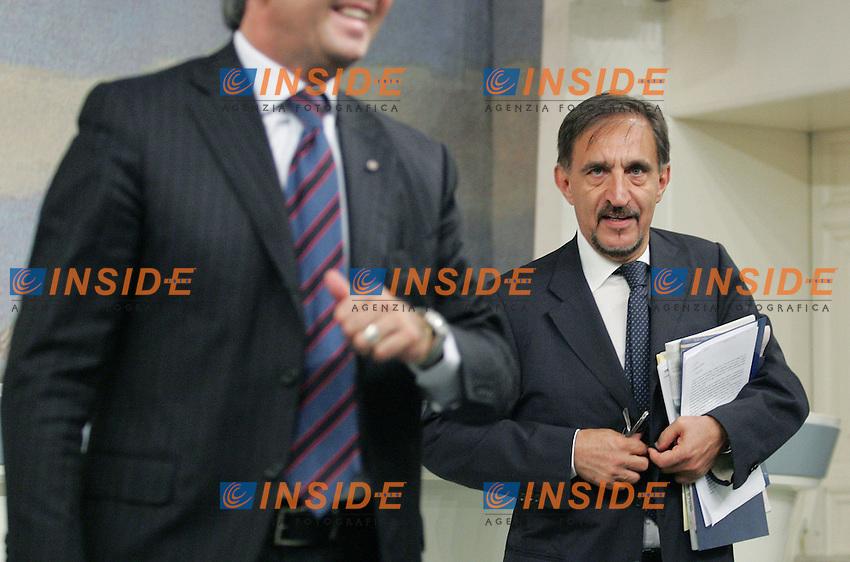 Ignazio La Russa.Conferenza Stampa al termine del Consiglio dei Ministri..Roma, 22 Luglio 2010.Photo Serena Cremaschi Insidefoto