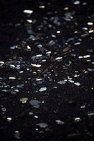 Jeceaba_MG, Brasil...Detalhe de vidro quebrado as margens da BR 040...Detail of the broken glass in the BR 040...Foto: JOAO MARCOS ROSA / NITRO