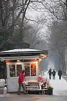 Europe/Autriche/Niederösterreich/Vienne: Kiosque d'une vendeuse de fleurs sur  la Weiskirchner Strasse