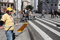 SAO PAULO, SP, 11 MAIO DE 2012 - PROTEÇÃO AO PEDESTRE - 02 ANOS DE CAMPANHA - O progrma de proteção ao pedestre completa v nesta sext-feira (11) .(FOTOS: AMAURI NEHN/BRAZIL PHOTO PRESS)