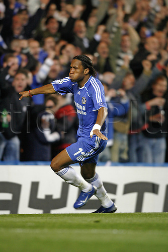 4 April 2007: Chelsea striker Didier Drogba celebrates scoring Chelsea's equalizer during the UEFA Champions League quarter final first leg, between Chelsea and Valencia played at Stamford Bridge. The game ended in a 1-1 draw Photo: Glyn Kirk/Action Plus...soccer football 070404  player goal joy celebration