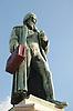 Gutenberg-Denkmal (1837) von Bertel Thorvaldsen (1770-1844) in Mainz, Rheinland-Pfalz, Deutschland (Johannes Gensfleisch zur Laden zum Gutenberg, ca. 1400 - 3.2.1468) der Koffer ist nicht Teil des Kunstwerks<br /> <br /> Statue of Gutenberg (1837) by Bertel Thorvaldsen (1770-1844) in Mainz, Rheinland-Pfalz, Germany (Johannes Gensfleisch zur Laden zum Gutenberg,  c. 1400 - 3.2.1468) the suitcase is not part of the artist's work<br /> <br /> Monumento a Gutenberg (1837) por Bertel Thorvaldsen (1770-1844) en Maguncia, Rheinland-Pfalz, Alemania (Johannes Gensfleisch zur Laden zum Gutenberg, ca. 1400 - 3.2.1468) la maleta no es parte de la obra del artista<br /> <br /> orig.: 3008 x 2000 px<br /> 150 dpi: 50,94 x 33,87 cm<br /> 300 dpi: 25,47 x 16,93 cm