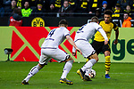 09.02.2019, Signal Iduna Park, Dortmund, GER, 1.FBL, Borussia Dortmund vs TSG 1899 Hoffenheim, DFL REGULATIONS PROHIBIT ANY USE OF PHOTOGRAPHS AS IMAGE SEQUENCES AND/OR QUASI-VIDEO<br /> <br /> im Bild | picture shows:<br /> Jadon Sancho (Borussia Dortmund #7) setzt sich gegen zwei Hoffenheimer durch,  <br /> <br /> Foto © nordphoto / Rauch