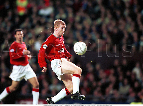 PAUL SCHOLES, MANCHESTER UNITED 1 v Lille OSC 0, UEFA Champions League, Old Trafford 010918  Photo:Neil Tingle/Action Plus...2001.Soccer.Premier League.football.english.club clubs.association.premiership