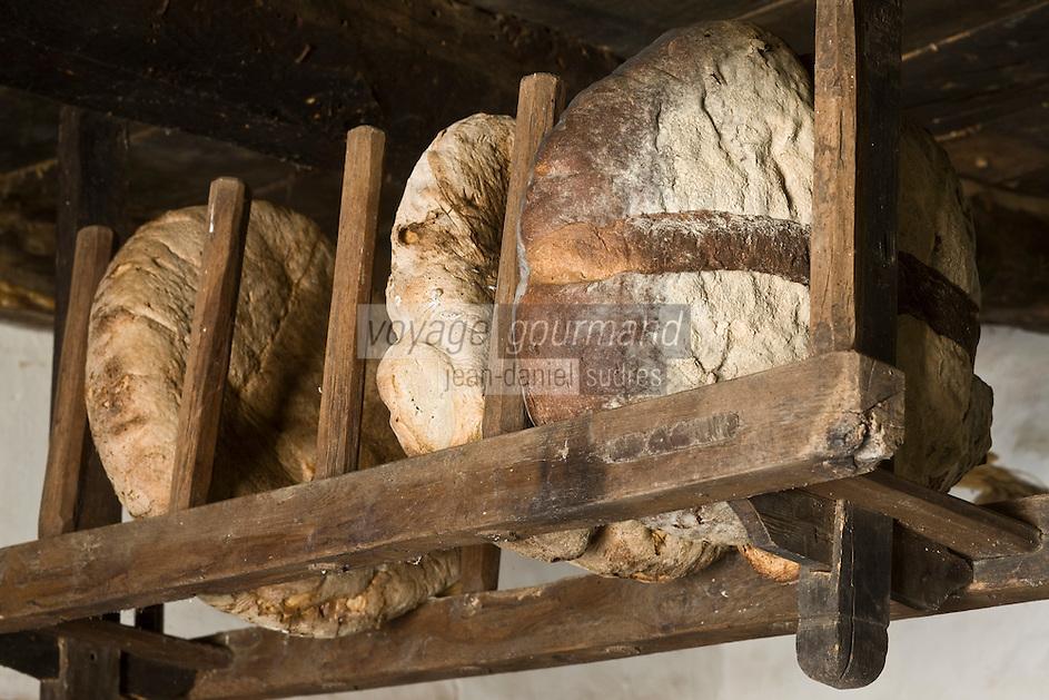 Europe/France/Midi-Pyrénées/46/Lot/Env de Sauliac-sur-Célé/Cuzals: Musée de plein air du Quercy, Détail ratelier à pain dans la cuisine de la ferme du 19 ème