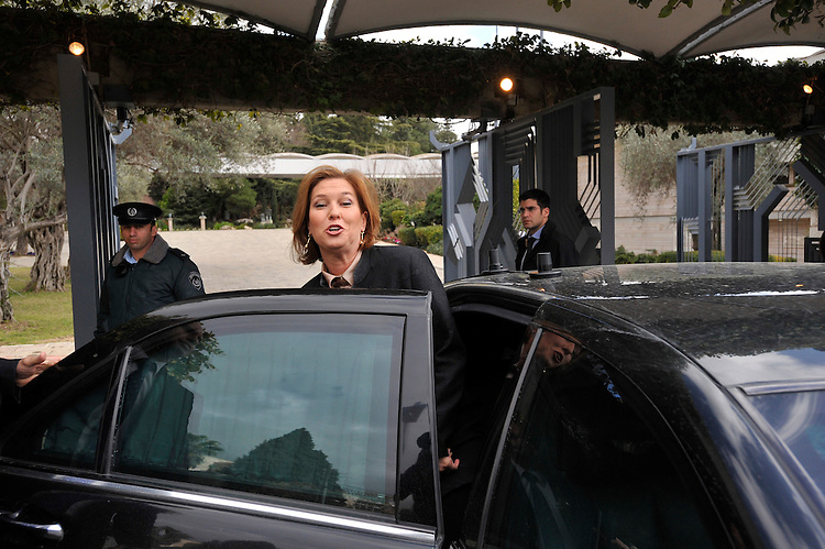 Israel's Foreign Minister Tzipi Livni gives a statement to the press, after leaving a meeting with Israel's President Shimon Peres, at the President's Residence in Jerusalem, Israel, Friday February 20, 2009 (Photo by Ahikam Seri).