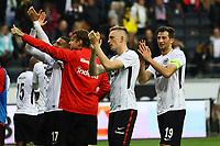 Eintracht bedankt sich bei den Fans, Sebastien Haller (Eintracht Frankfurt), Marco Russ (Eintracht Frankfurt), Marius Wolf (Eintracht Frankfurt), David Abraham (Eintracht Frankfurt) - 21.10.2017: Eintracht Frankfurt vs. Borussia Dortmund, Commerzbank Arena