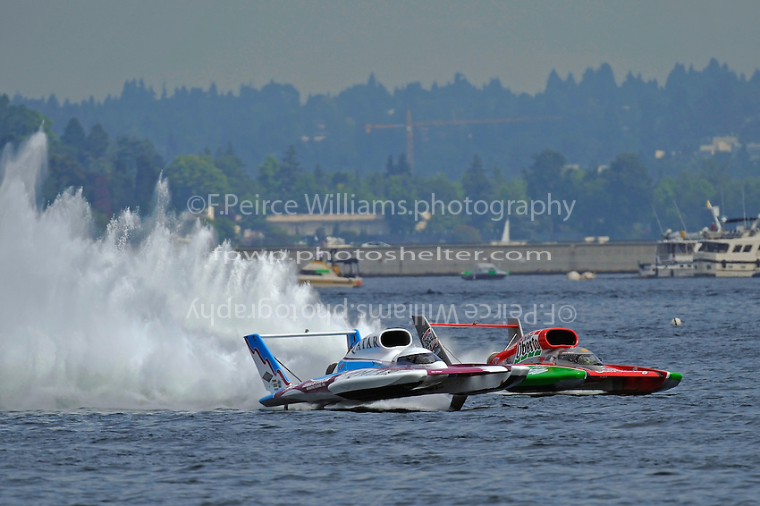 "David Villwock, U-96 ""Spirit of Qatar"" races Steve David, U-1 ""Oh Boy! Oberto"""