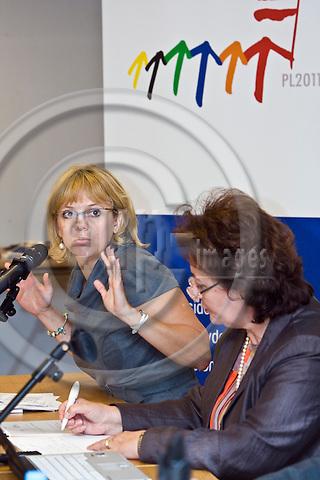 BRUSSELS - BELGIUM - 04 OCTOBER 2011 -- European Training Foundation (ETF) and the Polish EU Presidency- Seminar on the Torino Process. -- Sylwia KOSINSKA from the EU-Parliament and Madelen SERBAN, Director of ETF. --  PHOTO: Juha ROININEN /  EUP-IMAGES