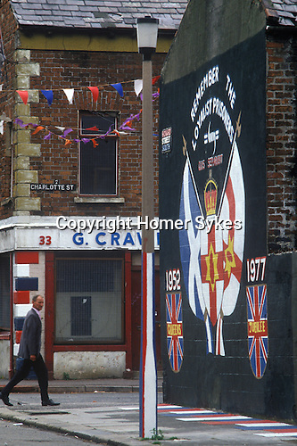 Belfast Northern Ireland. Remember the loyalists prisoners. Protestant wall painting.  1981 UK