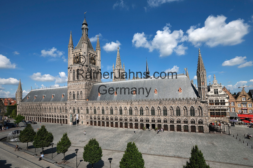 Belgium, West Vlaanderen, Ypres: The Cloth Halls in the Grote Markt Albert 1., UNESCO World heritage