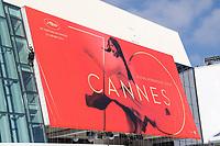 Mise en place de l'affiche officielle en haut des marches pour le soixante-dixiËme (70Ëme) Festival du Film a Cannes sur la facade du Palais des Festivals et des Congres, Cannes, Sud de la France, lundi 15 mai 2017.