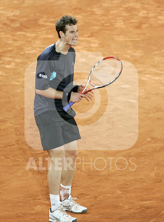 Great Britain's Andy Murray reacts during his Madrid Open quarter final match. May 15, 2009. (ALTERPHOTOS/Alvaro Hernandez)